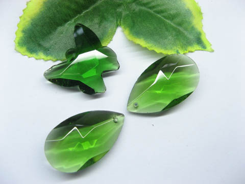 30 Assorted Green Glass Pendants pd-gd-ch2